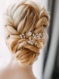 AW Floral Pearl Hair Clip